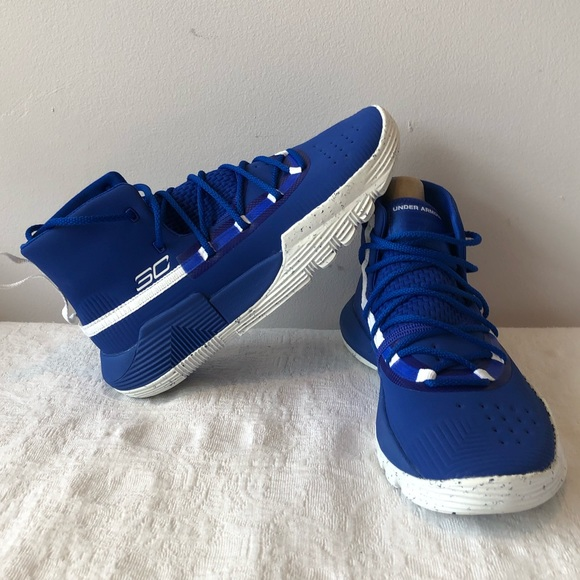 buy popular 2d85a 287c7 UNDER ARMOUR*Stephen Curry 3Zero II Sneakers US 5Y NWT